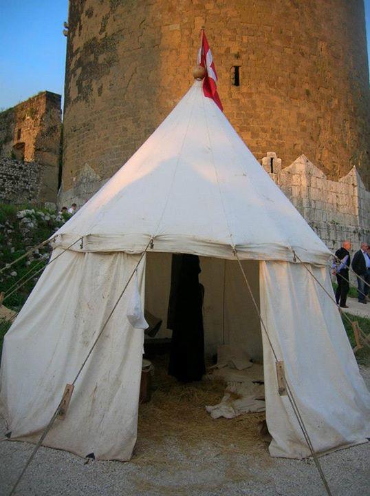 tenda Rosa e spada
